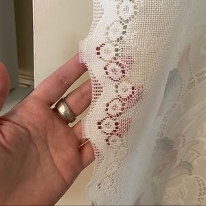 Vintage Accents - Vintage white pink blue tulip pattern curtains